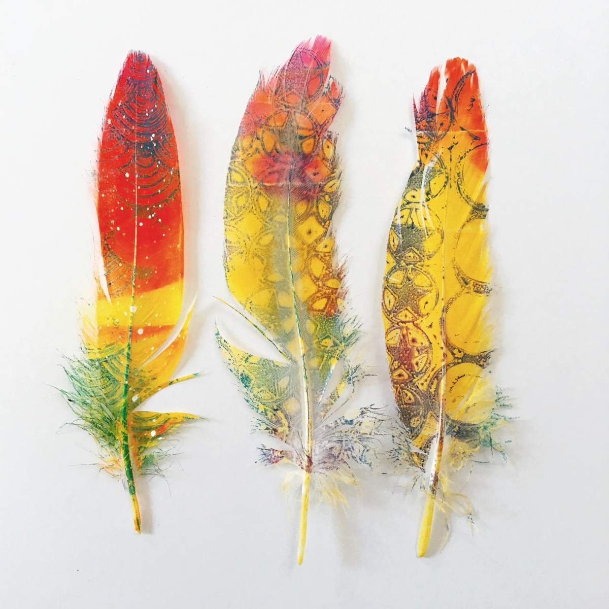 Gelli printed feathers - birgit koopsen.18